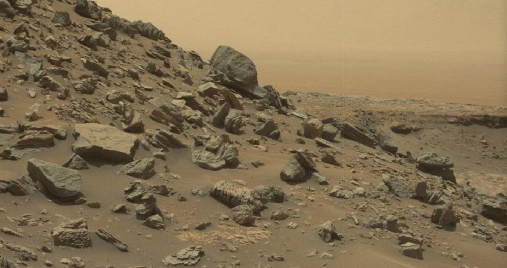 عکس های عجیب از صخره های سنگی مریخ