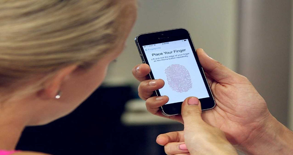 proof-that-the-fingerprint-sensor-on-the-iphone-5s-isnt-just-a-gimmick