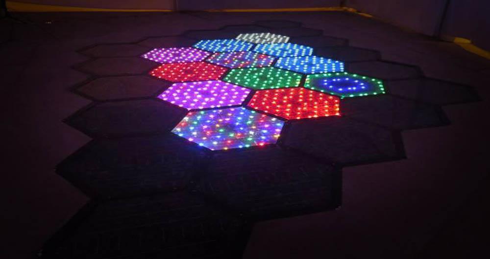 سنگ فرش های خورشیدی به خیابان می آیند