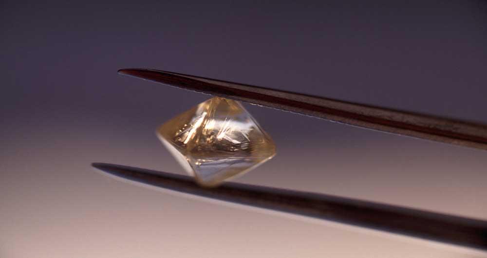 تبدیل زباله های اتمی به باتری های الماسی