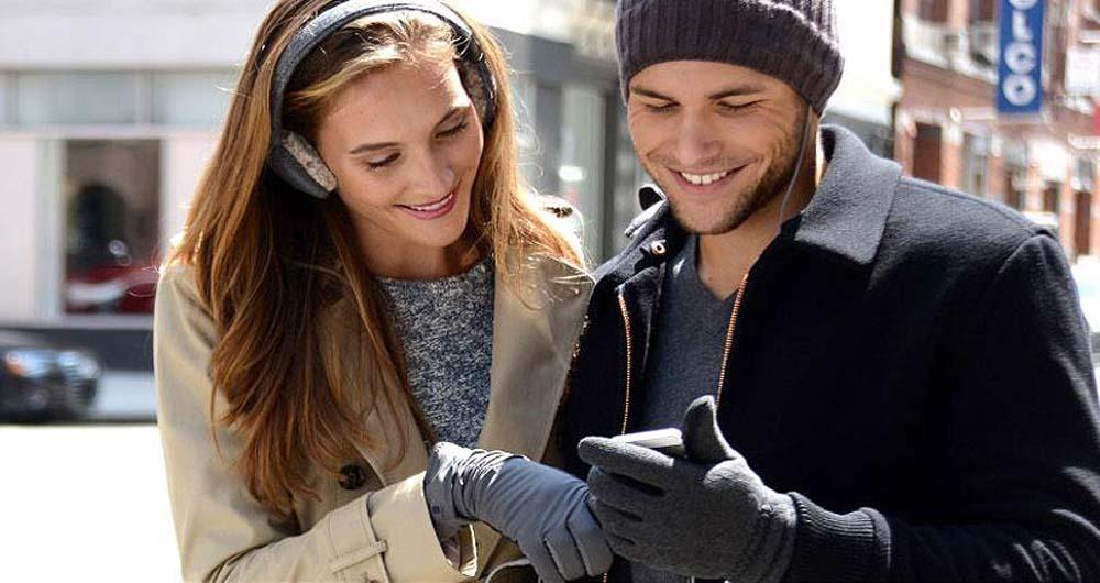 ساخت دستکش هایی خاص برای استفاده از گوشی در فصل سرما