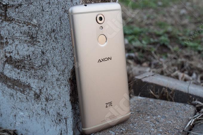 گوشی ZTE Axon 7 Mini