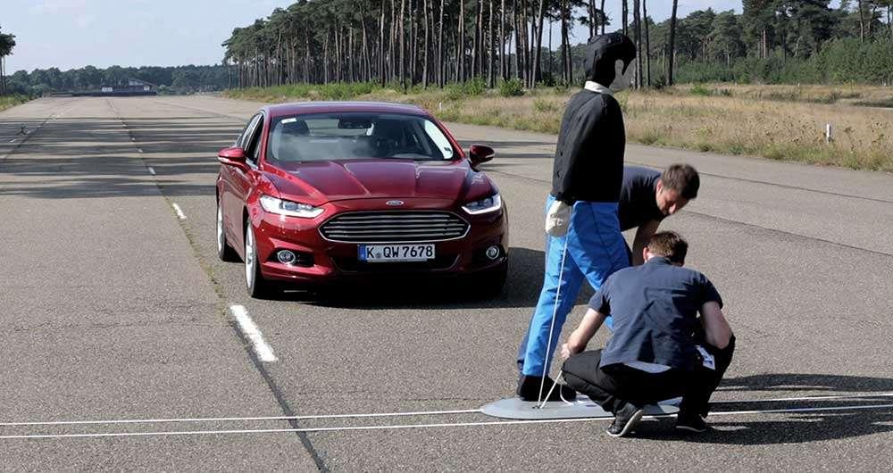 فناوری جدید فورد برای جلوگیری از برخورد با عابر پیاده
