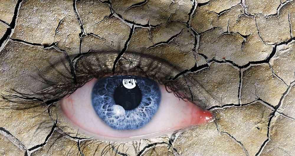 استفاده طولانی از موبایل و خشکی چشم