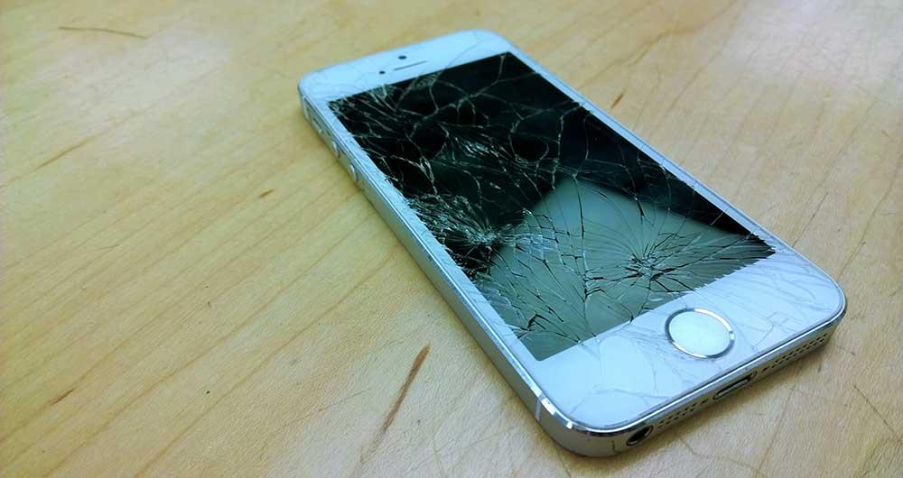 آسیب دیدن صفحه نمایش گوشی آیفون