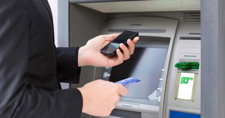 برداشت پول از عابربانک از طریق گوشی هوشمند