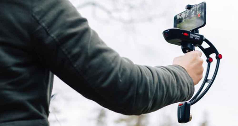 تبدیل گوشی هوشمند به دوربین همه کاره توسط Steadicam!