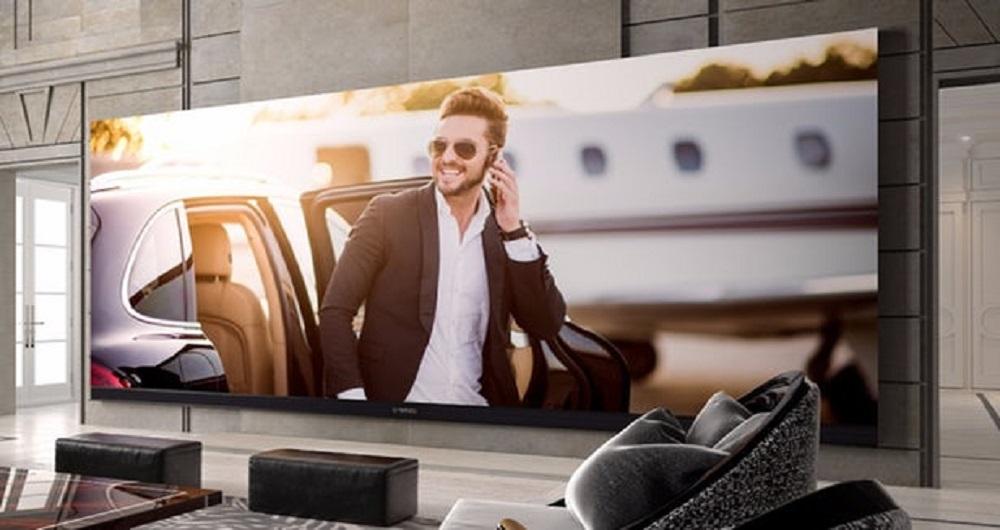 بزرگترین تلویزیون هوشمند جهان ارزشی بیش از یک خانه دارد