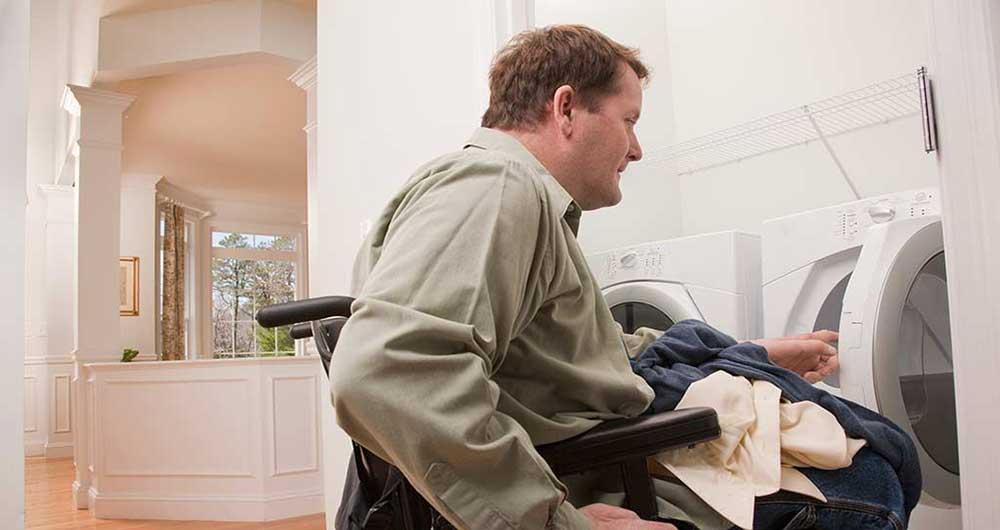 استقاده افراد نابینا از ماشین لباسشویی