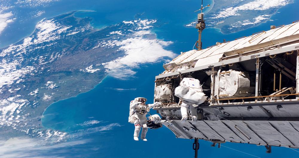 چین ایستگاه فضایی خود را در زمین بر روی انسانها آزمایش میکند