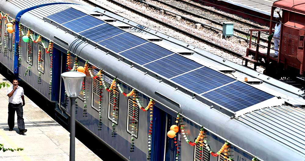 هند نخستین قطار خورشیدی خود را راه اندازی کرد