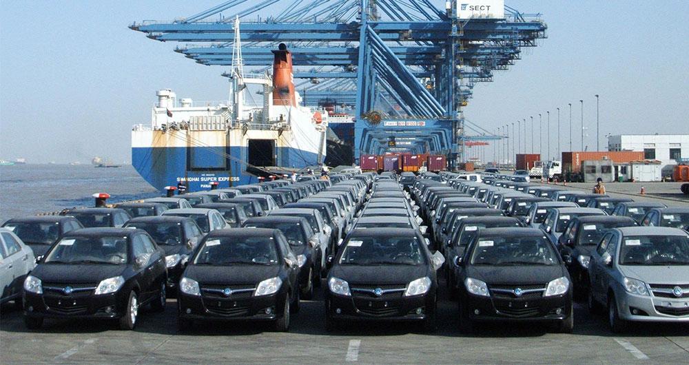 بیش از ۱۸۰ دستگاه خودروی لوکس در انبارهای دولت دپو شد