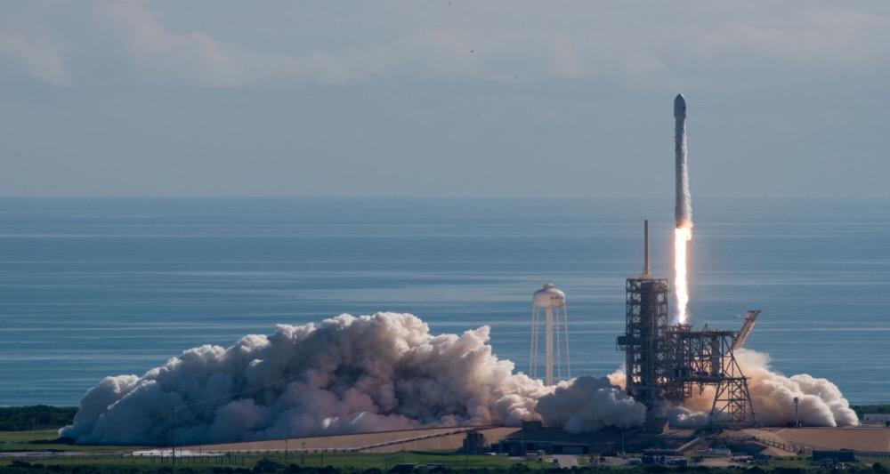 شرکت SpaceX یک فضاپیما سری به فضا پرتاب کرد