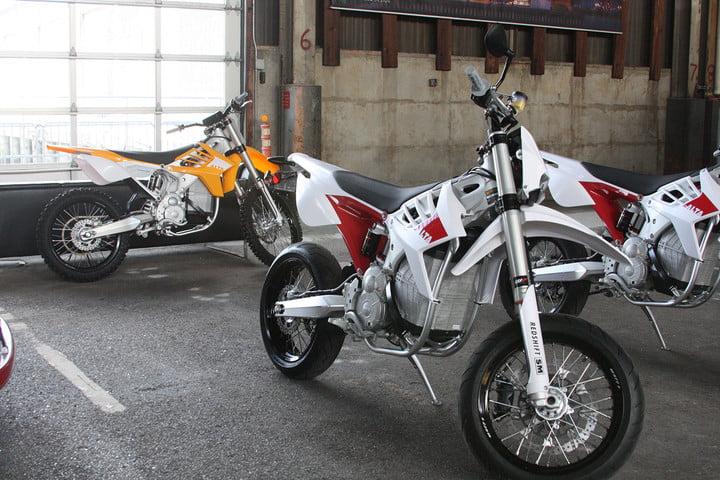 قیمت موتورسیکلت الکتریکی ارزان قیمت گرانترین موتورسیکلت های الکتریکی جهان با سرعت های ...