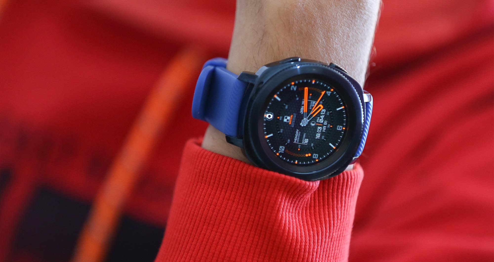 ساعت هوشمند Gear Sport