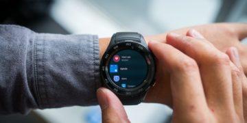 ساعت هوشمند با حاشیه های حساس به لمس