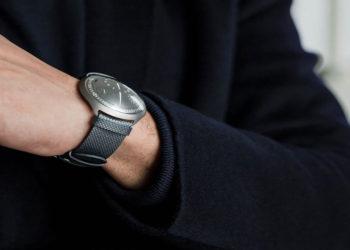 ساعت مکانیکی هماهنگ با موبایل