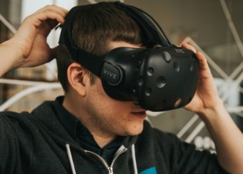 واقعیت مجازی اچ تی سی