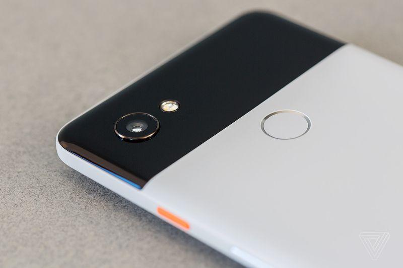 گوگل پیکسل 2 XL مشکل جدیدی پیدا کرد؛ افت سرعت شارژ در پی کاهش دمای باتری!