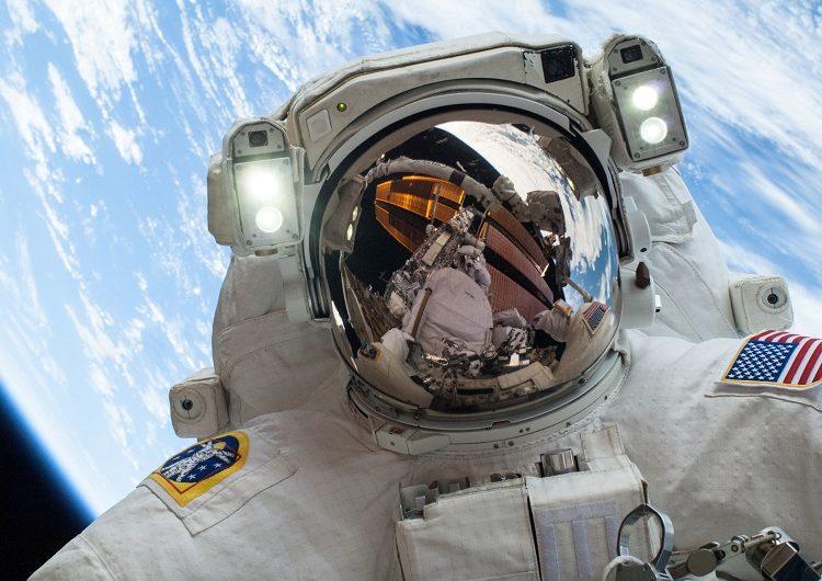 حقوق فضانوردان ناسا