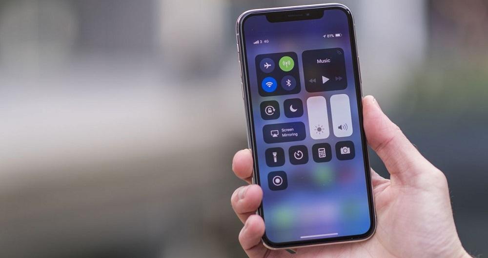 آیفون 6.1 اینچی شرکت اپل
