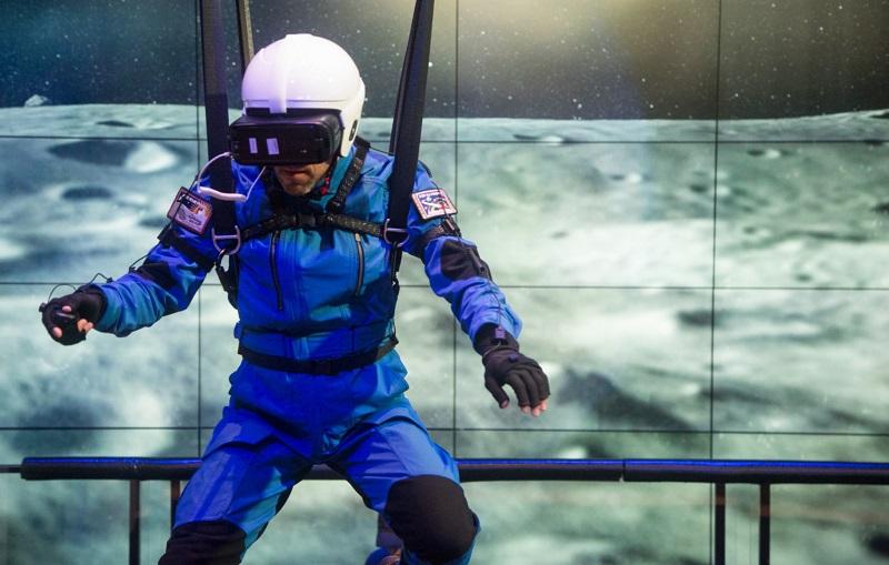 فناوری واقعیت مجازی سامسونگ کاربران را به کره ماه می برد!