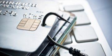 اطلاعات میلیون ها کارت اعتباری