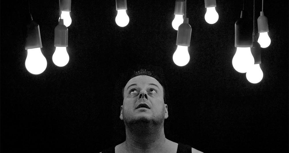 نور LED مى تواند آسیب هاى جبران ناپذیرى به چشم وارد کند!