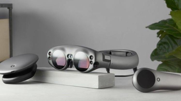 هدستهای واقعیت مجازی اپل با لنزهای فلوییدی برای کمک به افراد با بینایی محدود