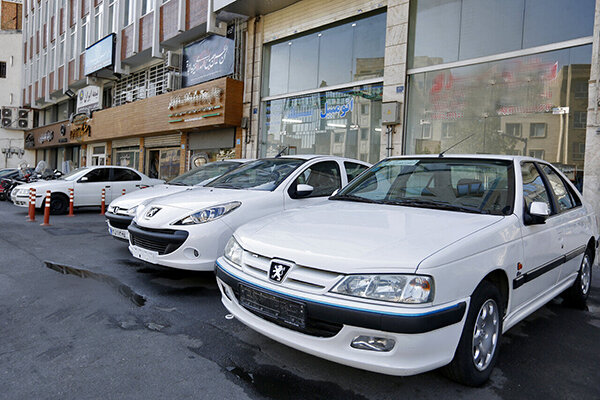 قیمت خودرو در بازار تهران ویژه روز هفتم بهمن ماه 99