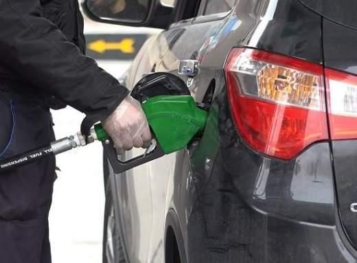 افزایش قیمت بنزین ؛ شایعهای که تکذیب شد