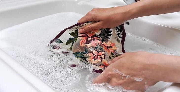 بهترین روش های شستن لباس زیر
