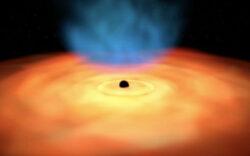 رصد نور پشت یک سیاهچاله