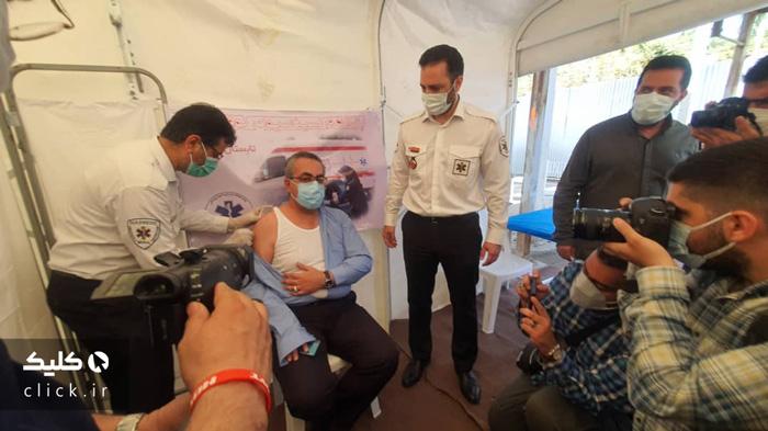 عکس واکسن پاستووک بر بازوی کیانوش جهانپور