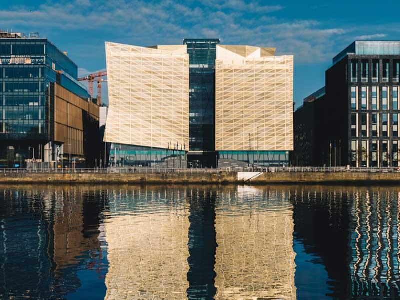 رئیس بانک مرکزی ایرلند فناوری ارزهای دیجیتال را تحسین کرد