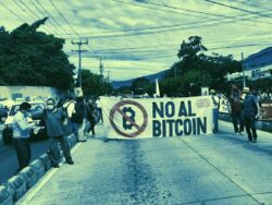 اعتراض شهروندان السالوادور نسبت به قانون جدید بیت کوین