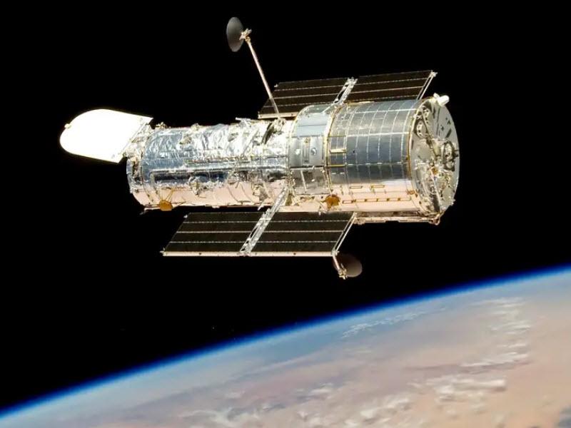 تلسکوپ فضایی هابل پس از یک ماه به مأموریت خود بازگشت