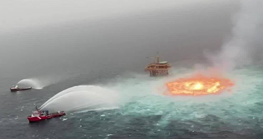 نشت لوله انتقال گاز و آتش سوزی مهیب در خلیج مکزیک