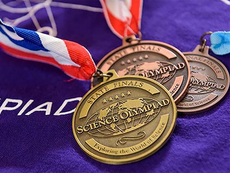 انتخاب رشته دارندگان مدال طلا