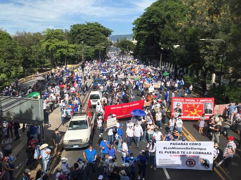 معترضان در السالوادور