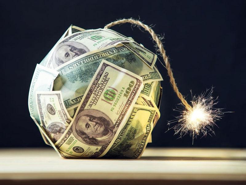 سقوط دلار با شدت