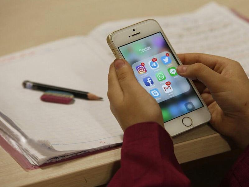 دانش آموزان مجازی در خطر شکارچیان آنلاین