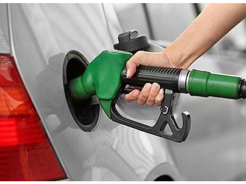 گران کردن بنزین در سال آینده